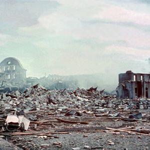 Takaisinvallattu Viipuri, taisteluissa tuhoutunutta kaupunkia 1941.