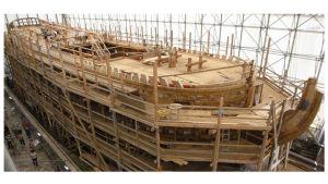 L'Hermione -purjelaivan replica rakennusvaiheessa v.2007 Rochefort'issa.