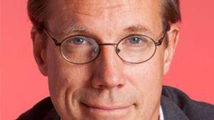 Fredrik Elgh, professor i virologi vid Umeå Universitet och överläkare i ämnet vid Umeå Universitetssjukhus, även en av utgivarna av bondpojken Pehr Stenbergs självbiografi.