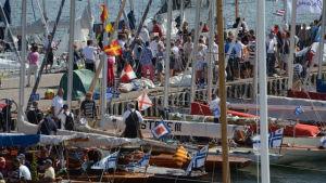Folkvimmel på Hangö regatta 2016.