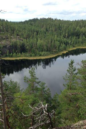 Repoveden kansallispuiston maisemaa