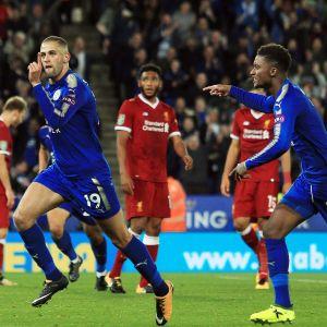 Leicesters Slimani firar sitt mål mot Liverpool.
