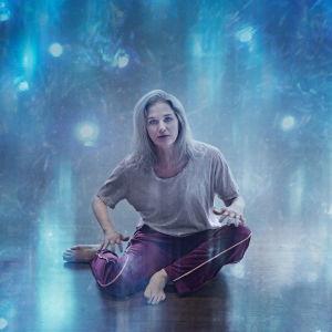 Porträttbild på Birthe Wingren som Ilya i teaterföreställningen Ilya.