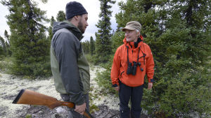 Jonathan Roger ja Mervi Kunnasranta Seal Lakes alueella