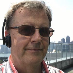Bengt Östling på solterrassen i New York