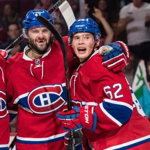 Montreal Canadiens-lagkamraterna Shea Weber, Aleksej Jemelin, Aleksandr Radulov och Artturi Lehkonen firar mål.