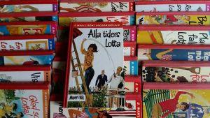 Bokpärmar i Lotta-serien