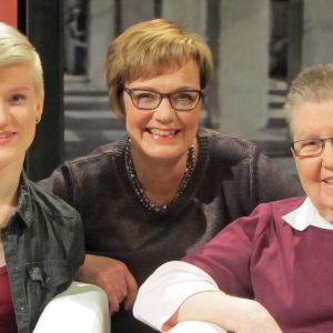 Lili Pakalén (vas.), Hilla Blomberg ja Sinikka Kaperi