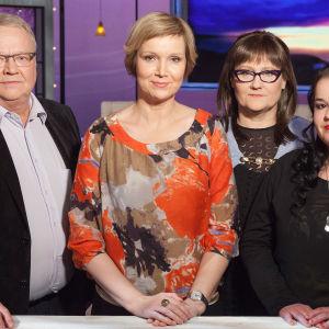 Jyrki Ahola, Sari Valto, Hanna Ollila ja Sara Laakso puhuvat siitä, miten tulipalo muuttaa elämän.