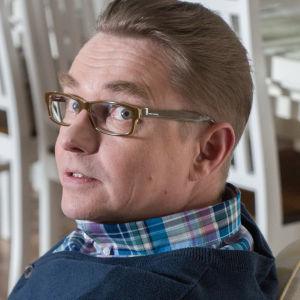 Antti Majanlahti näyttelee Asko Haavistoa Uudessa Päivässä.