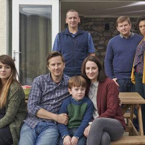 Kuusiosainen brittisarja on herkkä kuvaus perheestä, joka joutuu kohtaamaan lapsensa erityislaatuisuuden.