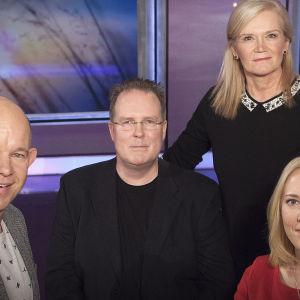 Aivoinfarkti muutti toimittaja Kaj Kunnaksen arvomaailman. Mona Moisalasta infarkti teki aivotutkijan. Jari Salonen joutui jättämään poliisin työn.