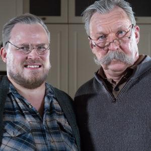 Kuvasss Lauri (Panu Mikkola) ja Otso (Aimo Räsänen) vanhuksina.