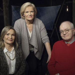 Anne Flinkkilän vieraina lapsuuden varjoistaan keskustelemassa Mirjam Kalland ja Jari Sinkkonen.