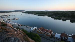 Tanumin pienvenesatama, Ruotsi