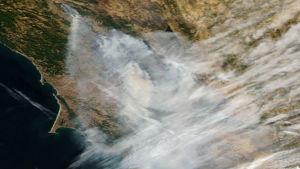 Nasas flygbilder visar Kaliforniens markbränder.