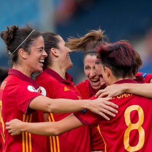 Spaniens lag firar.