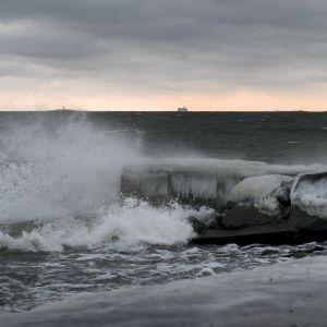 Storm och höga vågor på Östersjön 12.1.2017