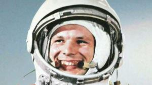 Juri Gagarin avaruuskypärässä