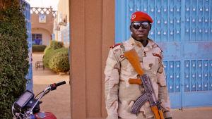 Euroopan unioni on tehnyt sopimuksia afrikkalaisten valtioiden kanssa ulkorajojensa valvonnasta.