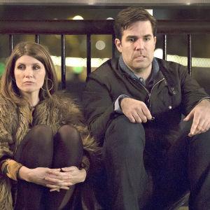 Catastrophe on uusi Kultaisella ruusulla (2015) ja Baftalla palkittu brittiläinen draamakomediasarja, joka kertoo amerikkalaismiehen ja irlantilaisnaisen salamasuhteesta.