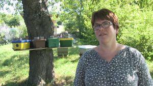 Ingrid Illies utbildar biodlare.