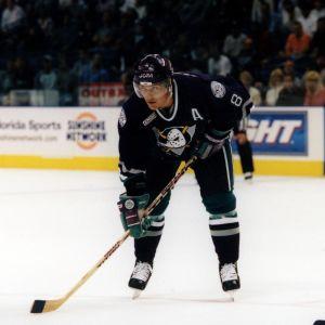 Teemu Selänne i Ducks-tröjan hösten 1999.