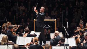 Sakari Oramo dirigerar BBC Symphony Orchestra
