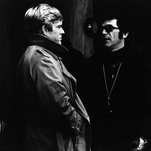 Robert Redford ja Sydney Pollack elokuvan Korppikotkan kolme päivää (Three Days of the Condor) kuvauksissa, 1975