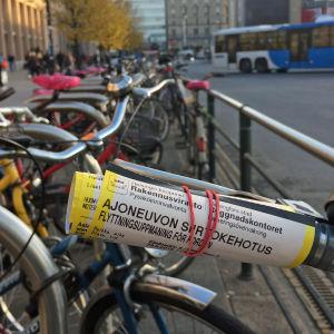 Cykel med flyttningsuppmaning