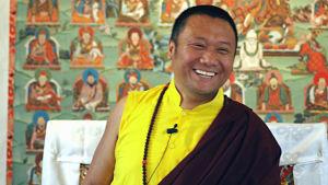 Porträtt Tulku Dakpa Rinpoche, Danakosha buddhistcenter Helsinki.