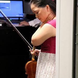 Minami Yoshida keskittyy.