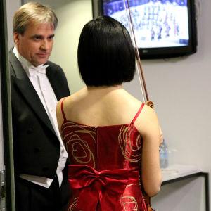 """""""Mikä viulu sinulla on"""", kapellimestari John Storgårsd kysyi. Vastaus on ranskalainen François Pique vuodelta 1802."""