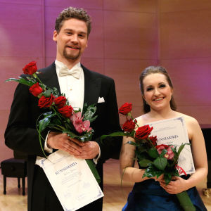 Baritoni Kristian Lindroos ja sopraano Suvi Väyrynen voittoon Lappeenrannan laulukilpailuissa 2016.