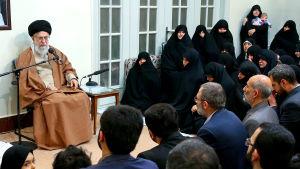 Irans ayatolla Ali Khamenei i ett tv-sänt tal den 2 januari 2018.