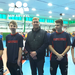 EIF:s pojkar med AURATHERMS Petter Löfgren
