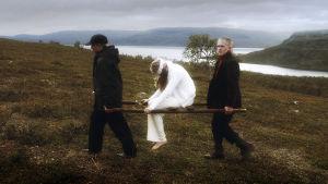 Lähes jokainen suomalainen tuntee Hugo Simbergin maalauksen Haavoittunut enkeli, ja monella on siihen vahva side.