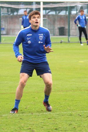 Albin Granlund på Finlands första träningar inför VM-kvalmatcherna mot Island och Kosovo.