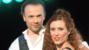 Taitoluistelijat Susanna Rahkamo ja Petri Kokko