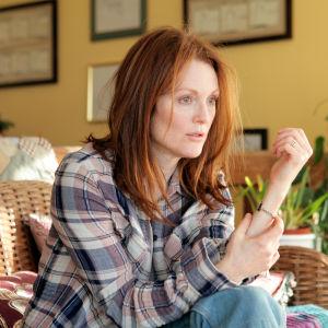 Alice (Julianne Moore) elokuvassa Edelleen Alice