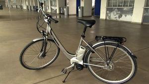 Helkama E2800 -sähköpolkupyörä