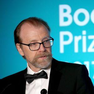 George Saunders höll tal efter att han tilldelats Man Booker-priset i London 17.10.2017.