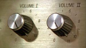 Spinal Tap -yhtyeen vahvistimen säätimissä on asteikko 11:een asti