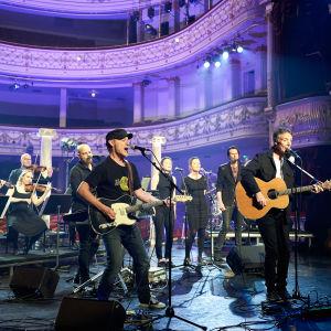 Paul Oxley's Unit ohjelmassa Melkein unplugged