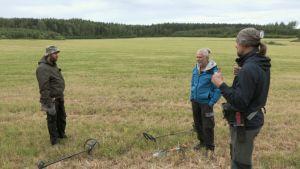 Menneisyyden metsästäjät Tomi Virtanen, Reijo Hyvönen ja Mikko Mäkelä