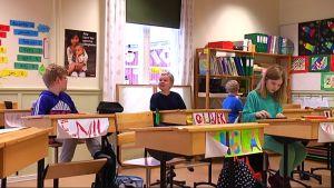 Elever i Bromarv skola.