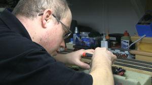 Norman Thieme bygger modelljärnväg i Tyskland