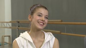 Balettdansaren Suvi Honkanen deltar i Helsingfors internationella balettävling 2016