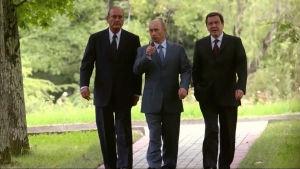 Ranskan ja Venäjän presidentit Jacques Chirac ja Vladimir Putin sekä Saksan liittokansleri Gerhard Schröder
