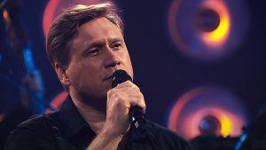 Samuli Edelman esiintyy SuomiLOVEn kolmannella kaudella.